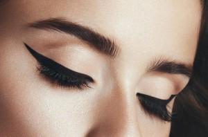 Wie können wir unsere Wimpern stärken